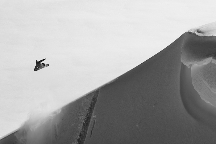 Snowboard-Photo-Austin-Smith-WIndlip-in-Whistler-by-Oli-Gagnon