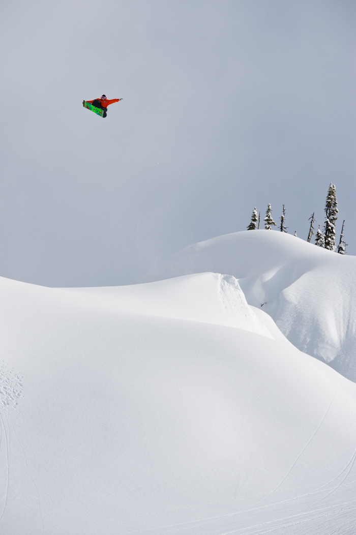 Snowboard-Photo-Eero-Niemela-Tailgrab-in-Revelstoke-by-Oli-Gagnon