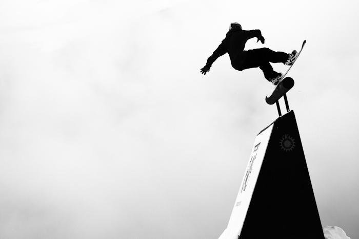 Snowboarding-Jamie-Nicholls-Wallride-in-Stranda-by-Cyril-Mueller